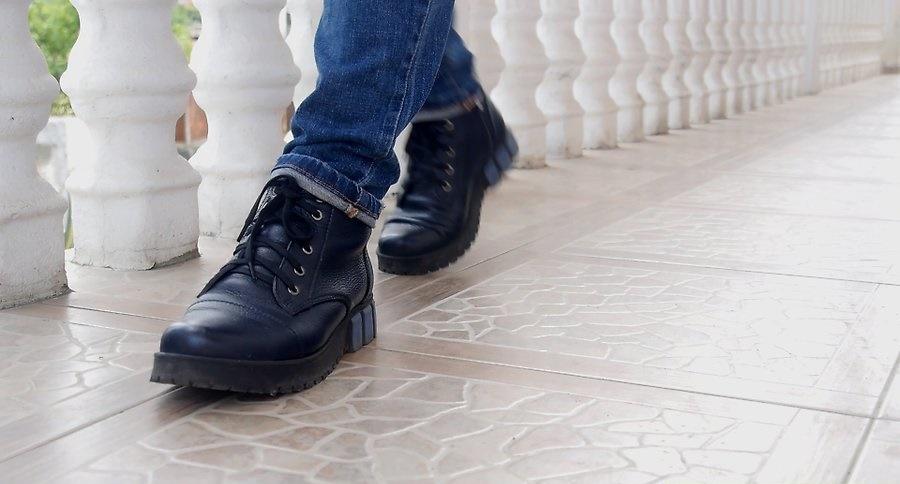 نرم کردن کفش چرم