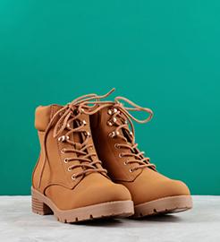 تاریخچهی بوت-شرکت تولیدی کفش شهپر - تولیدکننده انواع کفش چرمی