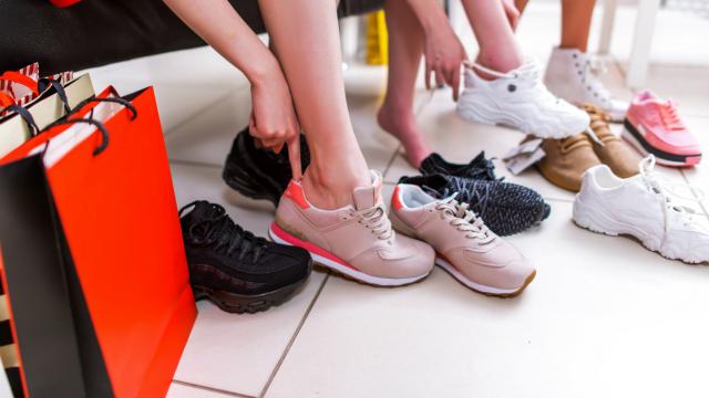 خرید کفش مناسب-شهپر