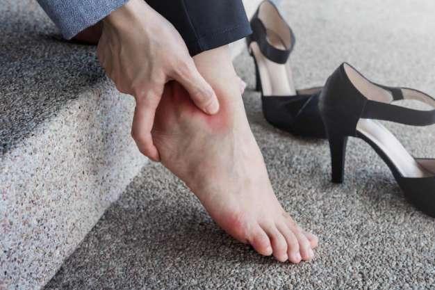 آسیب دیدن پاها - کفش شهپر