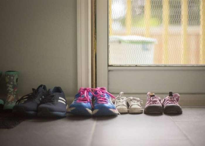 زنده ماندن ویروس کرونا روی کفش - کفش شهپر