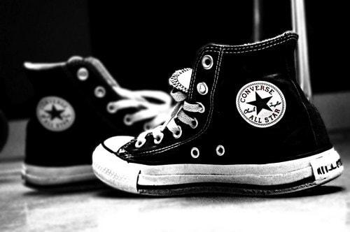 برندهای برتر کفش ورزشی - کفش شهپر