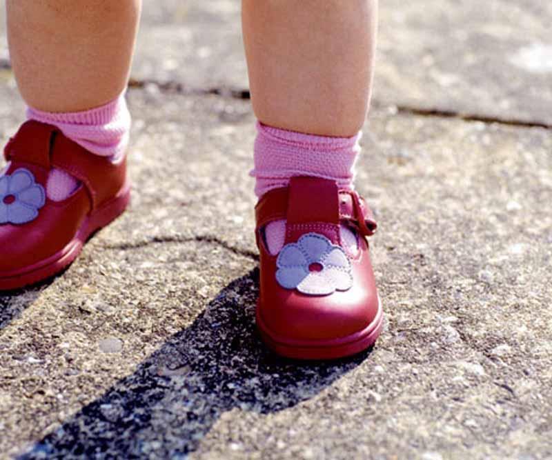 کفش جدید کودک